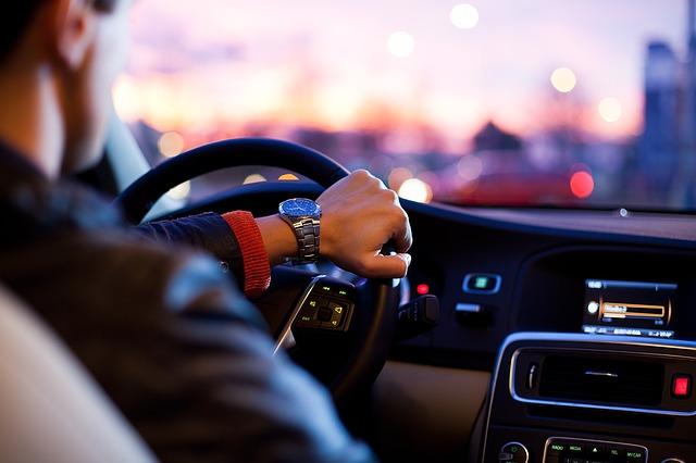 złe nawyki za kierownicą